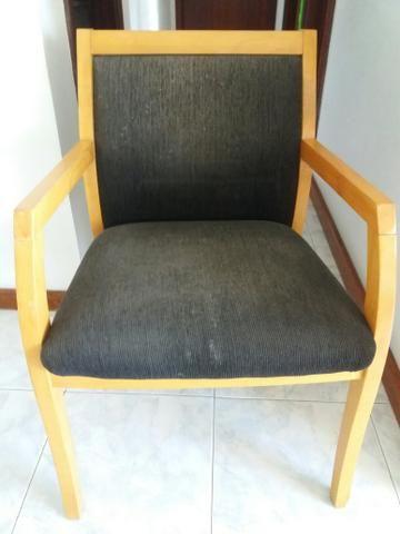 2 Cadeiras Acolchoadas