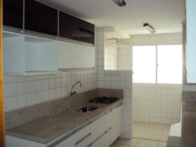 Apart 2 qts q suite armarios e lazer completo otima localização - Foto 9