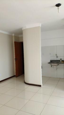 Alugo Apartamento 70 mt² 2/4 prox Av Maria Quitéria garagem coberta tx cond incluída - Foto 4