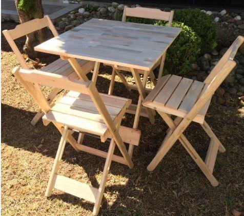 Mesa e cadeiras dobrável - Tampo em madeira maciça