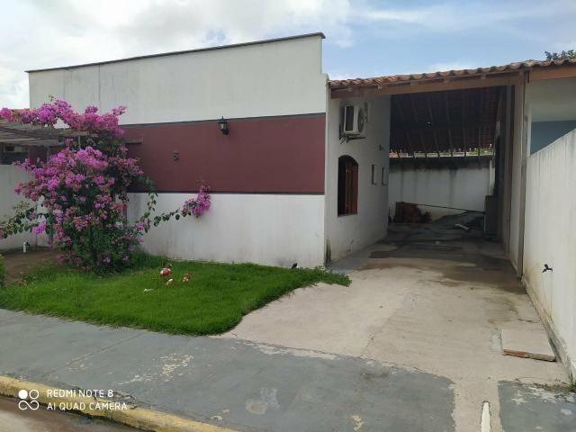 Casa em residencial fechado com area de lazer com Psicina e churrasqueira - Foto 2