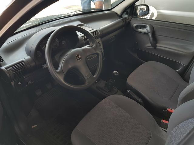 GM - Chevrolet Classic ano 2006 com Kit gas legalizado ate 2021 - Foto 8