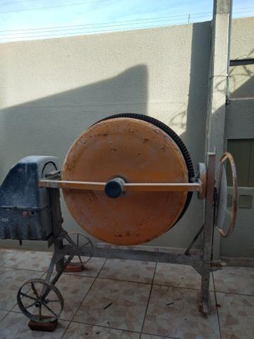 Vendo bitorneira com poucos dias de uso completa por 1.200. 400 litro - Foto 3