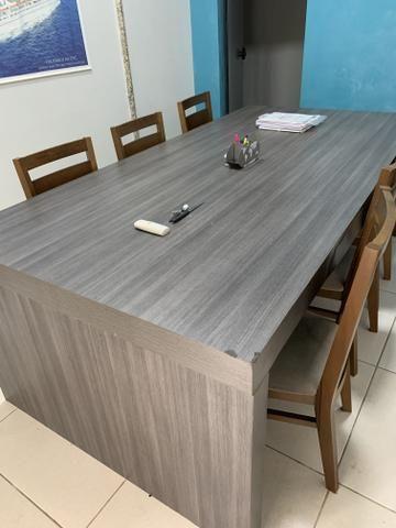 Mesa reuniao escritorio