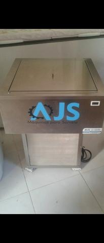 Máquina produtora de massa/sorvete