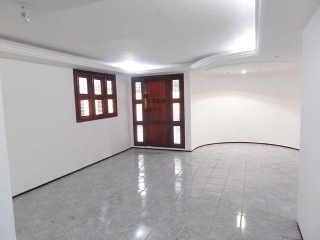 Casa duplex para locação no bairro cidades dos funcionarios, com piscina 4 suites - Foto 5