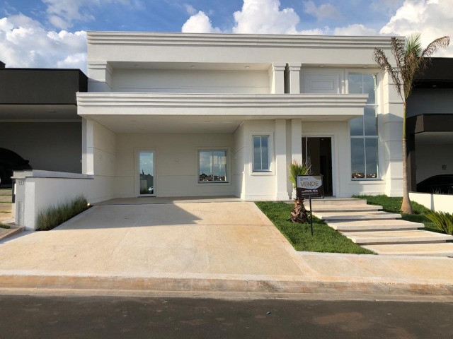 Casa com 3 quartos à venda, 203 m² por R$ 1.270.000,00