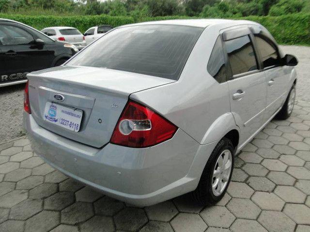 Ford Fiesta Sed. 1.6 8V - Foto 6