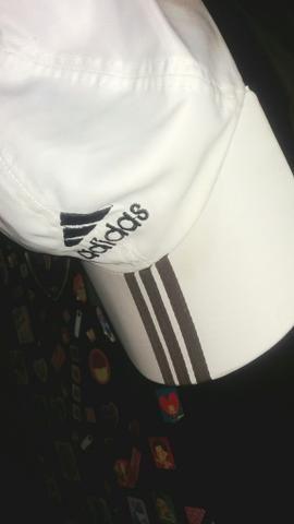 Boné Adidas branco
