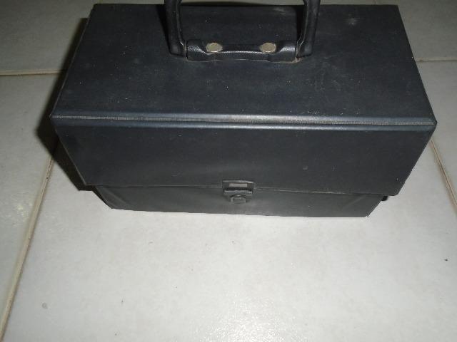 Porta Cd Com Alça Para Transporte (capacidade Para 20 Cds)