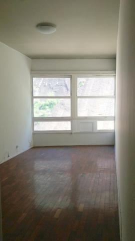 03 quartos com dependência e garagem em Copacabana - Rua Cinco de Julho, 350-603