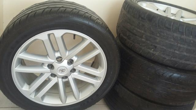 Rodas com pneus da Hilux contato (99) 991630693 Suely
