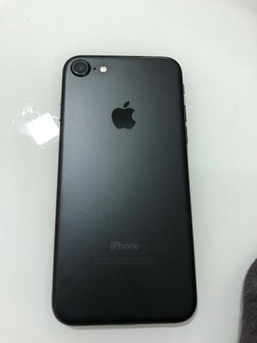 Vendo iPhone 7 128 G preto fosco
