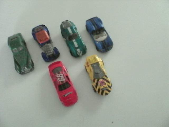 6 Miniaturas da HotWheels,