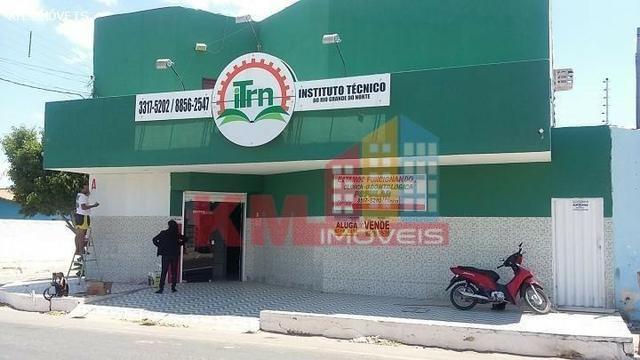 Vende-se ou aluga-se prédio comercial na Abolição IV - KM IMÓVEIS