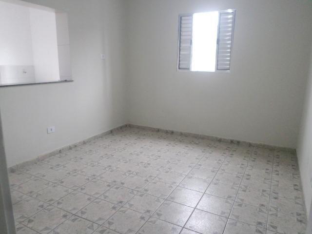 01 dormitório para locação no Parque São Vicente - São Vicente