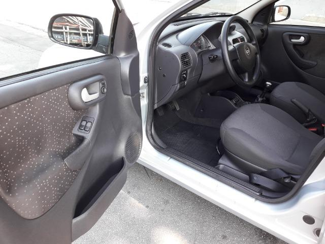 GM-Corsa Hatch 09 Premium 1.4 Flex, Troco e Financio - Foto 15