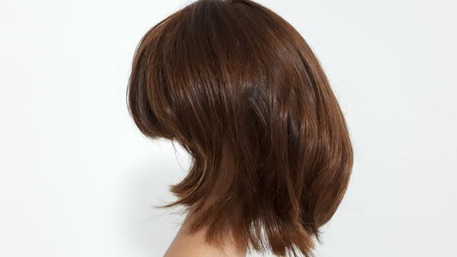 Peruca de cabelo natural - castanho