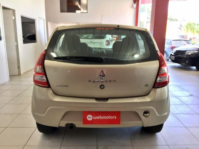 Renault Sandero Expression 1.6 - Foto 5