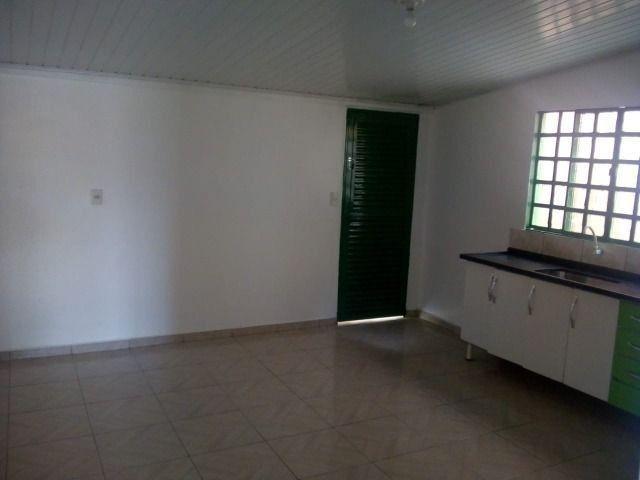 Aluga-se Ótima casa sozinha no lote em Samambaia Norte - QR 206 - Foto 2