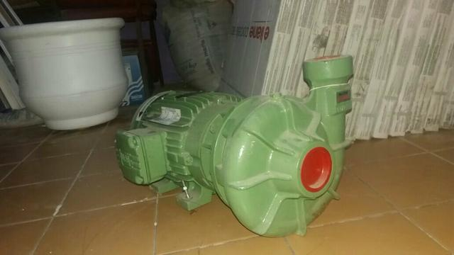 Bomba D'água Schneider 5CV