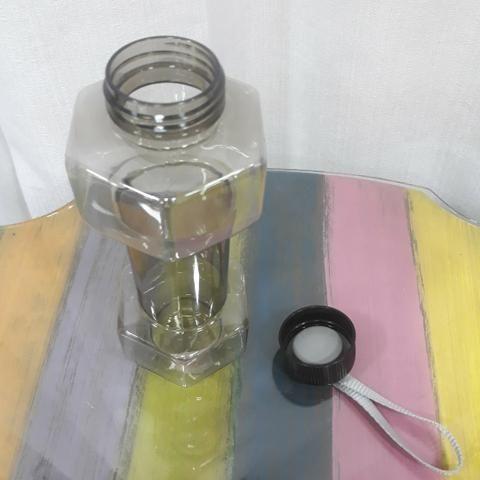 Garrafa de Plásticos - Foto 2