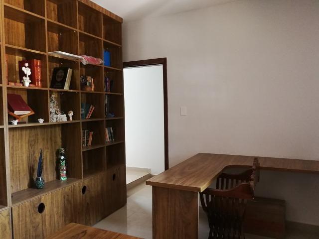 Reformada! 05 quartos, 02 suítes, 01 com closet, piscina, próx EPTG - Foto 4