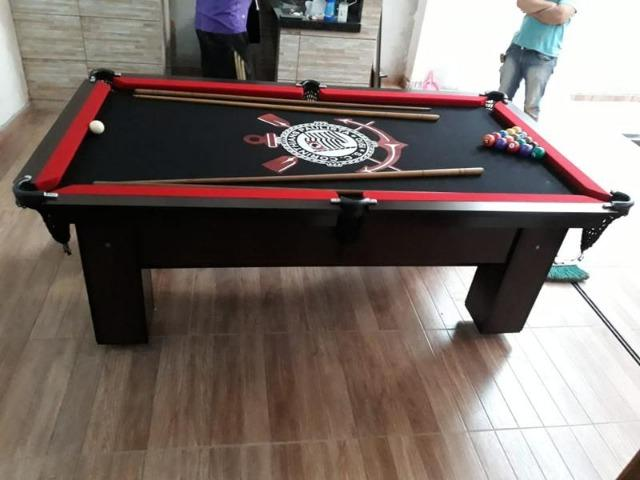 Mesa de Bilhar Tecido Preto Bordas Vermelhas Personalizada Corinthians - Foto 2