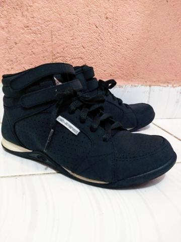 9acaf9ce42c Botinha Olympikus por 60 reais - Roupas e calçados - Central