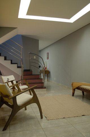 Casa 3 quartos com suíte no bairro Santa Mônica