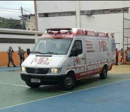 Ambulância Sprinter Básica Completa - Foto 3