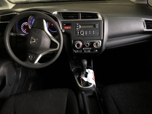 Vendo Honda FIT LX 2017 automático - Foto 6