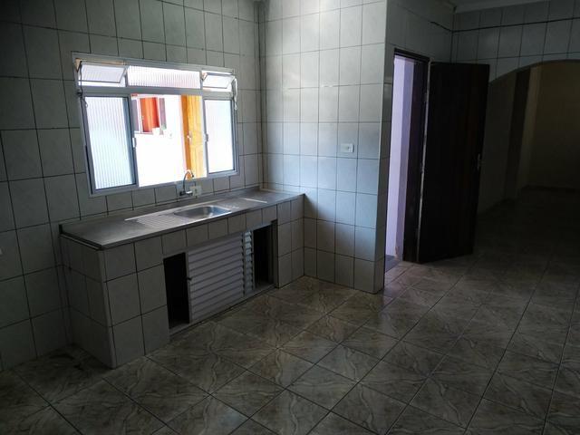 Casa 3 cômodos com garagem portão automatizado - Foto 5