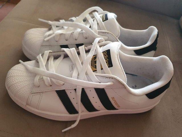 Tênis Adidas superstar original.