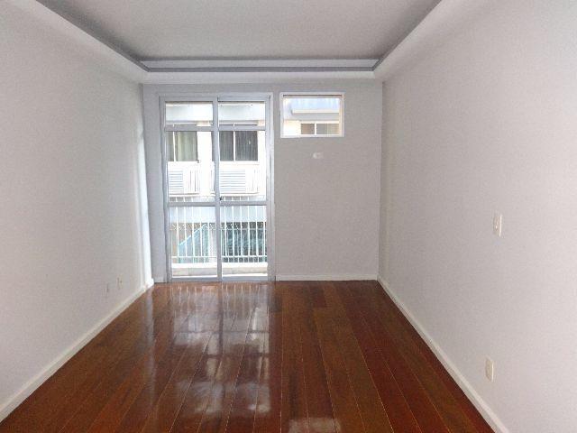 Maravilhoso apartamento 2 quartos em rua super tranquila