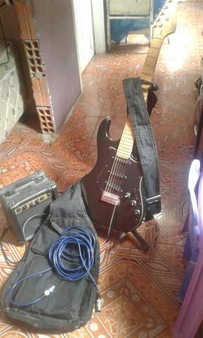 Vende se uma guitarra completa