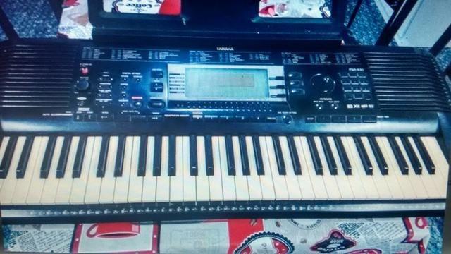 ( Leia O Anuncio ) Teclado Yamaha Psr 630 Com Leitor Usb