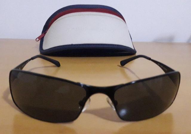 Óculos de sol Tommy Hilfiger original TH9011 Semi novo