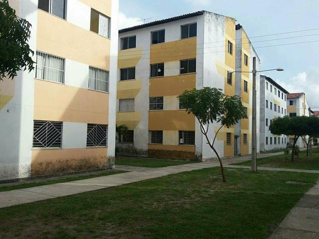 Apartamento na Av. Heráclito Rolemberg
