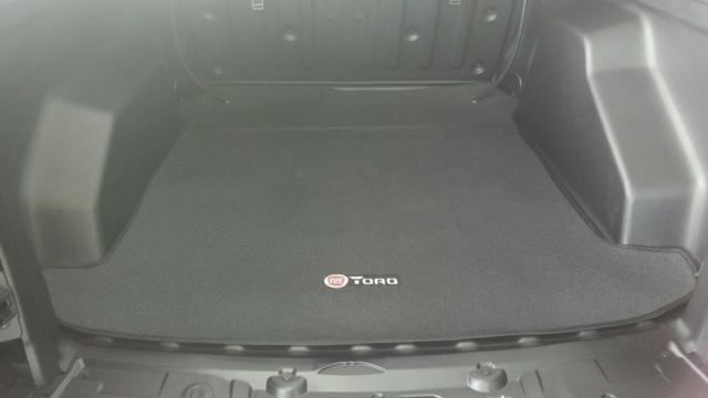 Protetor de Caçamba Fiat Toro