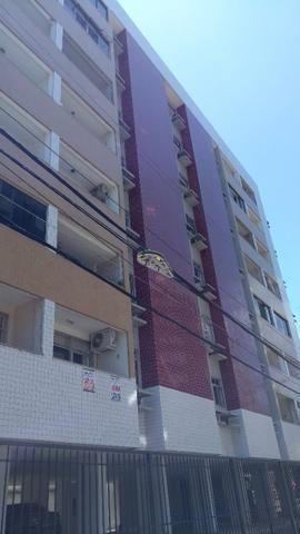Apartamento 2/4 mobiliado na Ponta Verde próximo ao Palato.