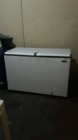 VENDE SE 2 Refrigeradores horizontal e 1 vertical