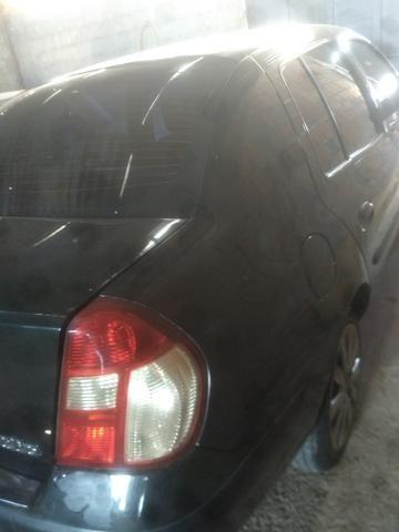 Renault Clio sedan 2005 - Foto 2