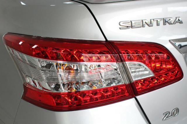 Nissan Sentra S 2.0 Flex Manual - 2015 - Foto 19