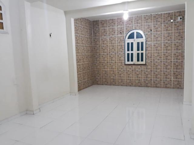 Alugo Casa no Parque 10 com 1 Quarto, Fica bem no Centro do Parque 10 - Foto 2