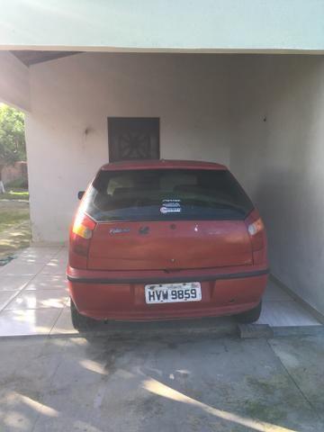 Vendo ou troco em outro carro mas novo ou em moto vai com som - Foto 2