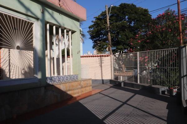 Casa com 3 quartos - Bairro Setor Aeroporto em Goiânia - Foto 3
