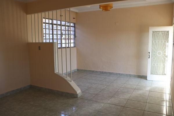 Casa com 3 quartos - Bairro Setor Aeroporto em Goiânia - Foto 8