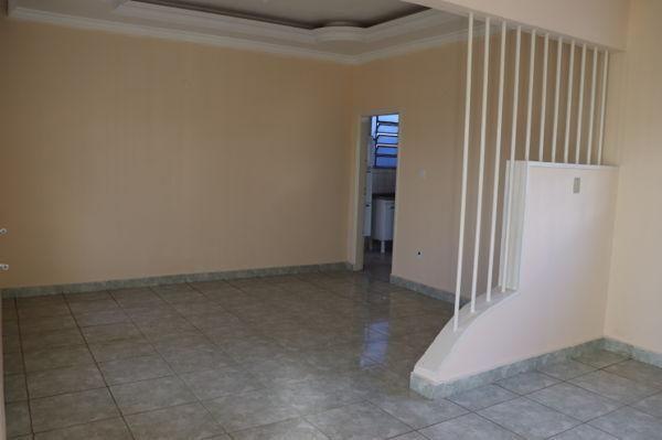 Casa com 3 quartos - Bairro Setor Aeroporto em Goiânia - Foto 6
