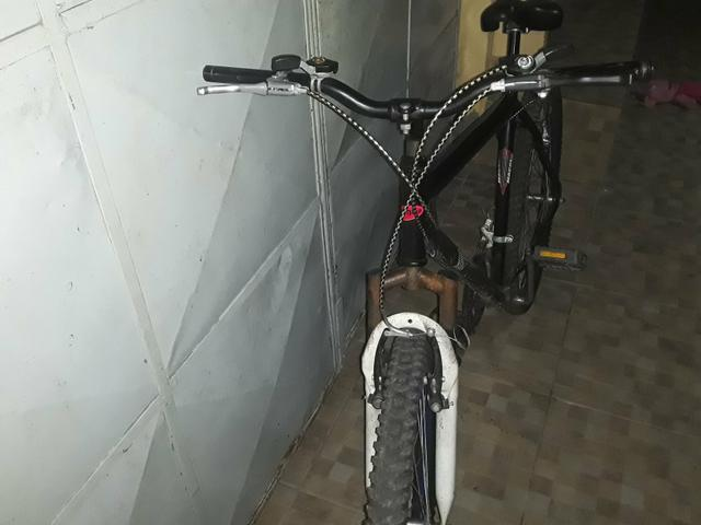 Vendo bicicleta aro 24 - Foto 4